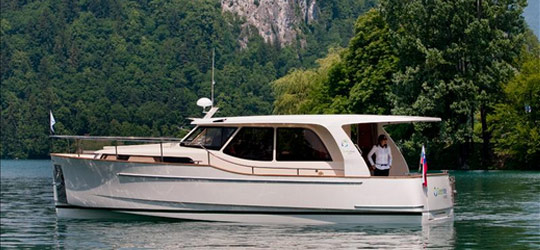 Research the new 2016  Greenline Boats