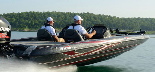 Research the new 2016  Triton Boats Bay Boats