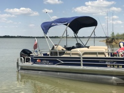2016 Sun Tracker Fishin Pontoon