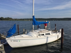 Very Nice 83 Catalina 22 Swing Keel
