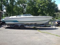 272 SR1 Speedboat & Galvanized Trailer
