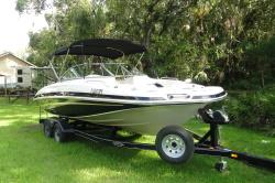 2008 195 deck boat