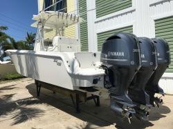 2017 SeaVee 340B W/Triple 300 Yamahas
