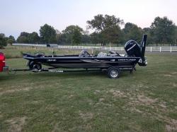 VT 19 Bass Boat
