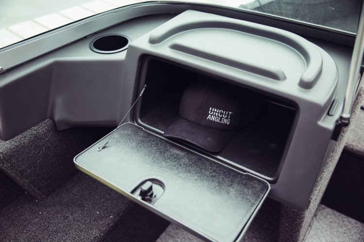 l_classic-165-sport-passenger-console