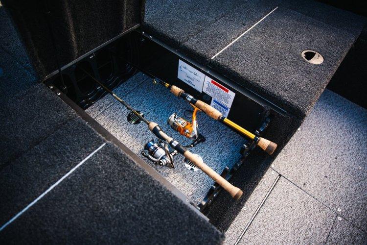 l_comp-165-tiller-bow-rod-storage