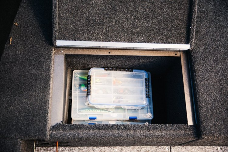 l_comp-165-tiller-bow-storage-1