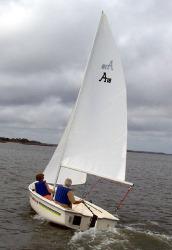 2017 - American Sail - American 18
