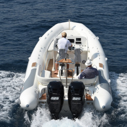 2018 - Avon Boats - Grand Tender 850
