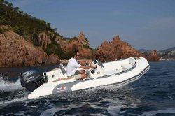 2020 - Avon Boats - Seasport 400 Deluxe
