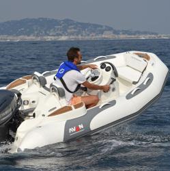 2020 - Avon Boats - Seasport 360 Deluxe