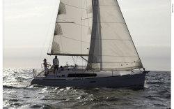2010 - Beneteau Sailboats - Beneteau 34