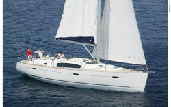 2010 - Beneteau Sailboats - Beneteau 43