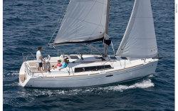 2010 - Beneteau Sailboats - Beneteau 31