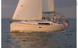 2012 - Beneteau Sailboats - Beneteau 31