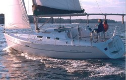 Beneteau Sailboats Beneteau 323 Cruising Sailboat Boat