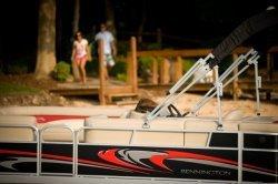 2011 - Bennington Boats - 25 SL IO
