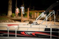 2011 - Bennington Boats - 23 SL IO