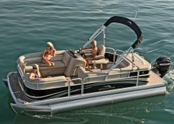 2012 - Bennington Boats - 17 SL