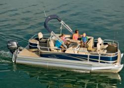 2013 - Bennington Boats - 24 SF