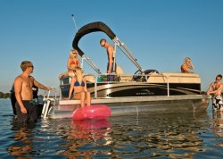 2013 - Bennington Boats - 18 SL
