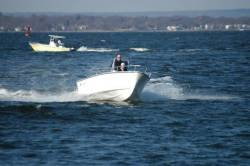 Blue Fin Boats Cuttyhunk 19 Center Console Boat