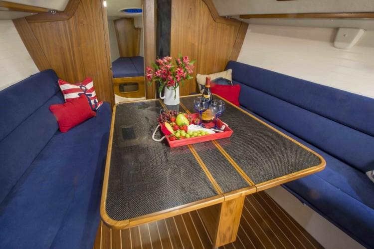 l_redline-41-cabin-table-1024x682