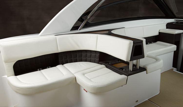 l_cockpitseating