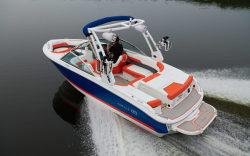 2020 - Cobalt Boats - 220S