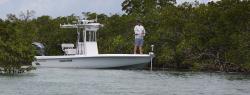 2020 - Contender Boats - 25 Bay