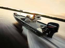 2009 - Crestliner Boats - CX 17 Bass