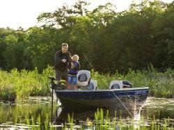 2009 - Crestliner Boats - Fish Hawk 1700 Tiller