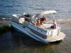 2009 - Crestliner Boats - Grand Cayman 2485 IO