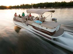 2009 - Crestliner Boats - Grand Cayman 2885 IO