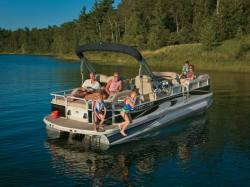 2009 - Crestliner Boats - Grand Cayman 2485 IO RFL TriToon