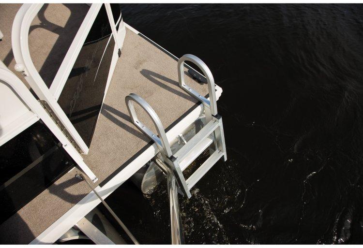 l_crestliner-batata-bay-swim-ladder2