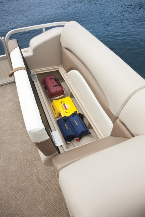 l_crestliner-escape-2185-under-seat-storage1