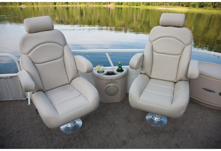 l_crestliner-grand-caymen-cruise-recliners1