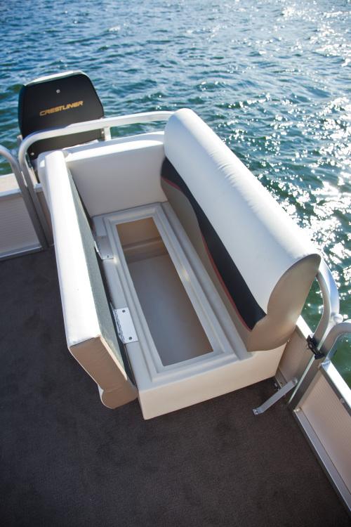 l_crestliner-suncast-under-seat-storage