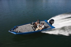 2011 - Crestliner Boats - VT 17