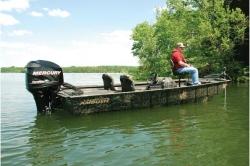 2011 - Crestliner Boats - AMBUSH 16