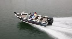 2012 - Crestliner Boats - Raptor 1850  DC