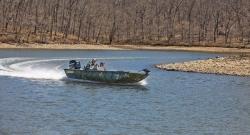 2013 - Crestliner Boats - AMBUSH 18