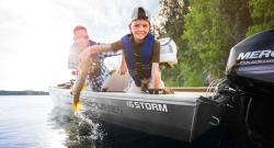 2014 - Crestliner Boats - 16 STORM
