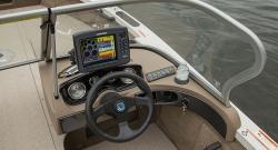 2014 - Crestliner Boats - 1650 Fish Hawk