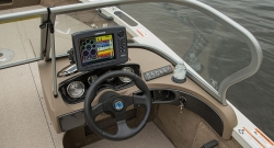 2014 - Crestliner Boats - 1750 Fish Hawk