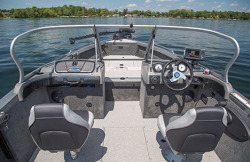 2015 - Crestliner Boats - 2050 Authority
