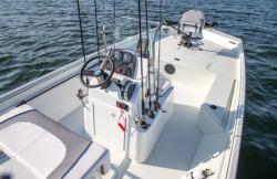 2015 - Crestliner Boats - 2000 Coast Edition