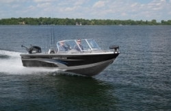 2015 - Crestliner Boats - 2250 Authority
