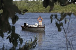 Crestliner Boats-Canadian 18